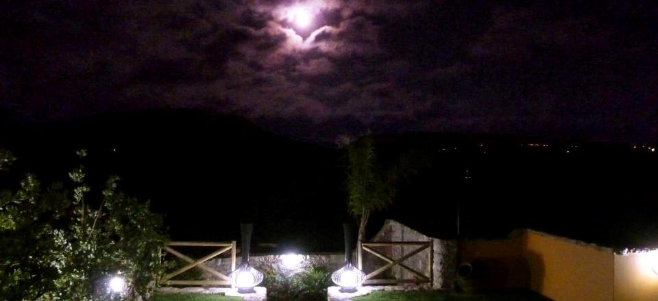 moonlight in casa almanzor.jpg